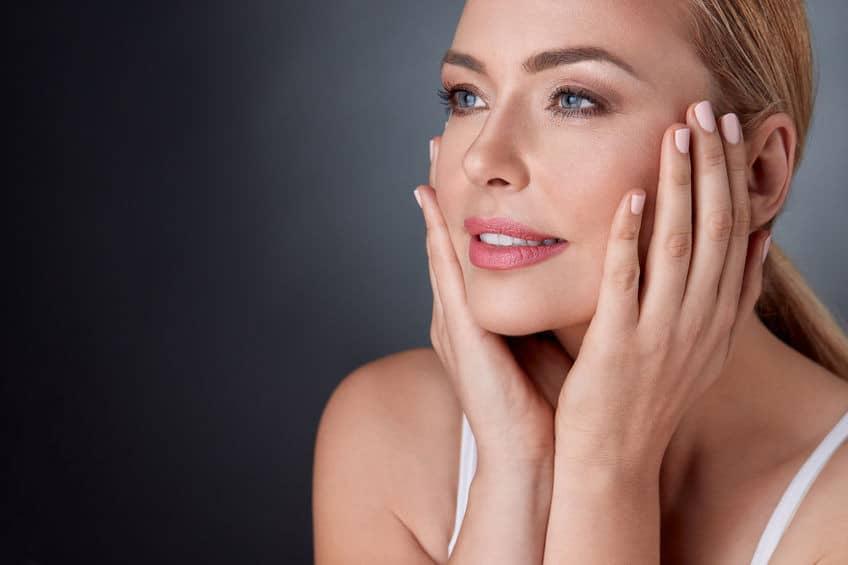 FRX-laserhoito häivyttää juonteita ja parantaa erilaisia ihovaurioita
